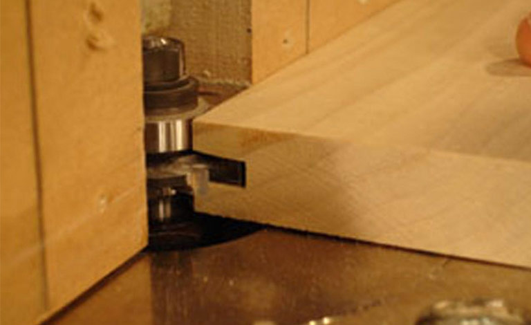 cutting with router bit